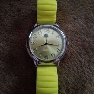 Avon ~Yellow Silicone & Silvertone Bumblebee Watch